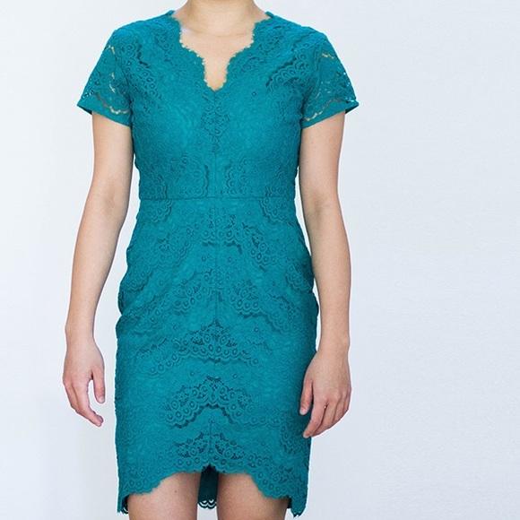 LOFT Dresses & Skirts - Loft V Neck Lace Scalloped Sheath Dress Size 4